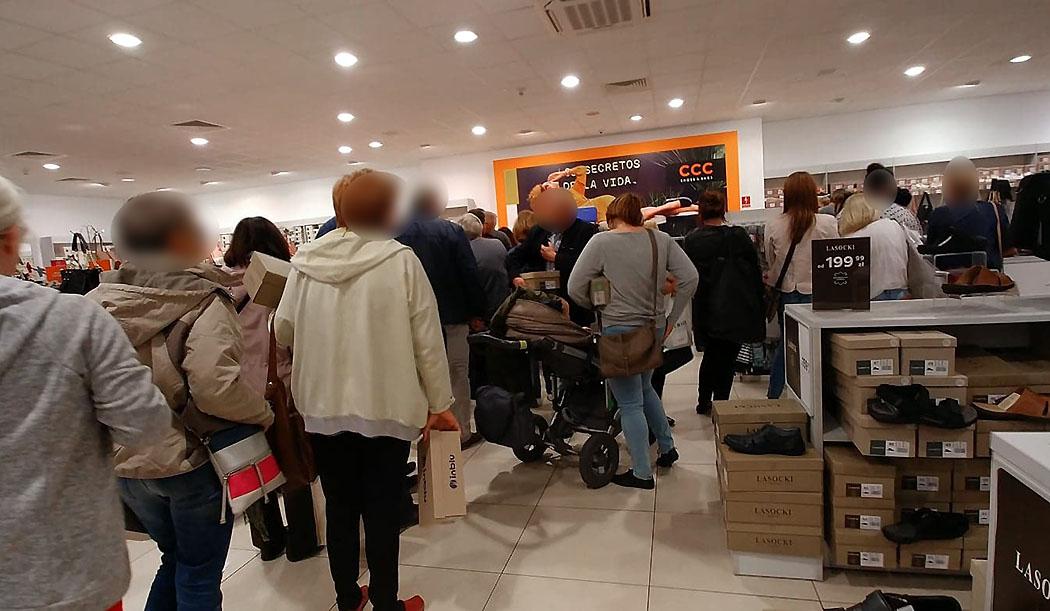 52beabbb Sieć CCC poinformowała swoich stałych klientów o likwidacji sklepu i  wyprzedażach sięgających 30 procent.